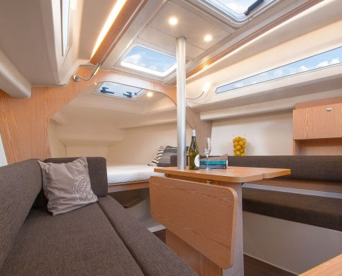 Hanse Yachts 315 open space