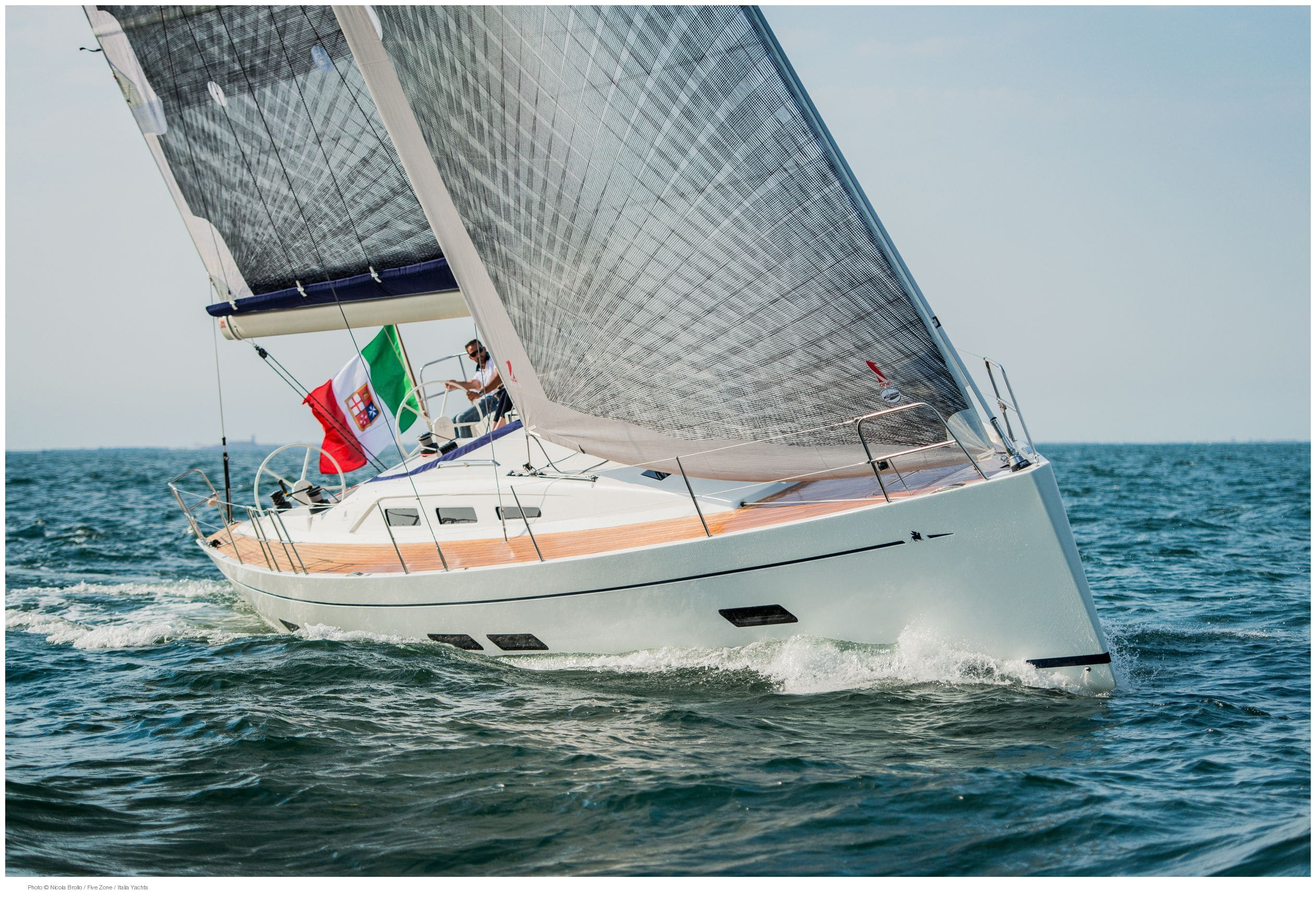 IY 13.98 Sailing Test in Venice Lagoon